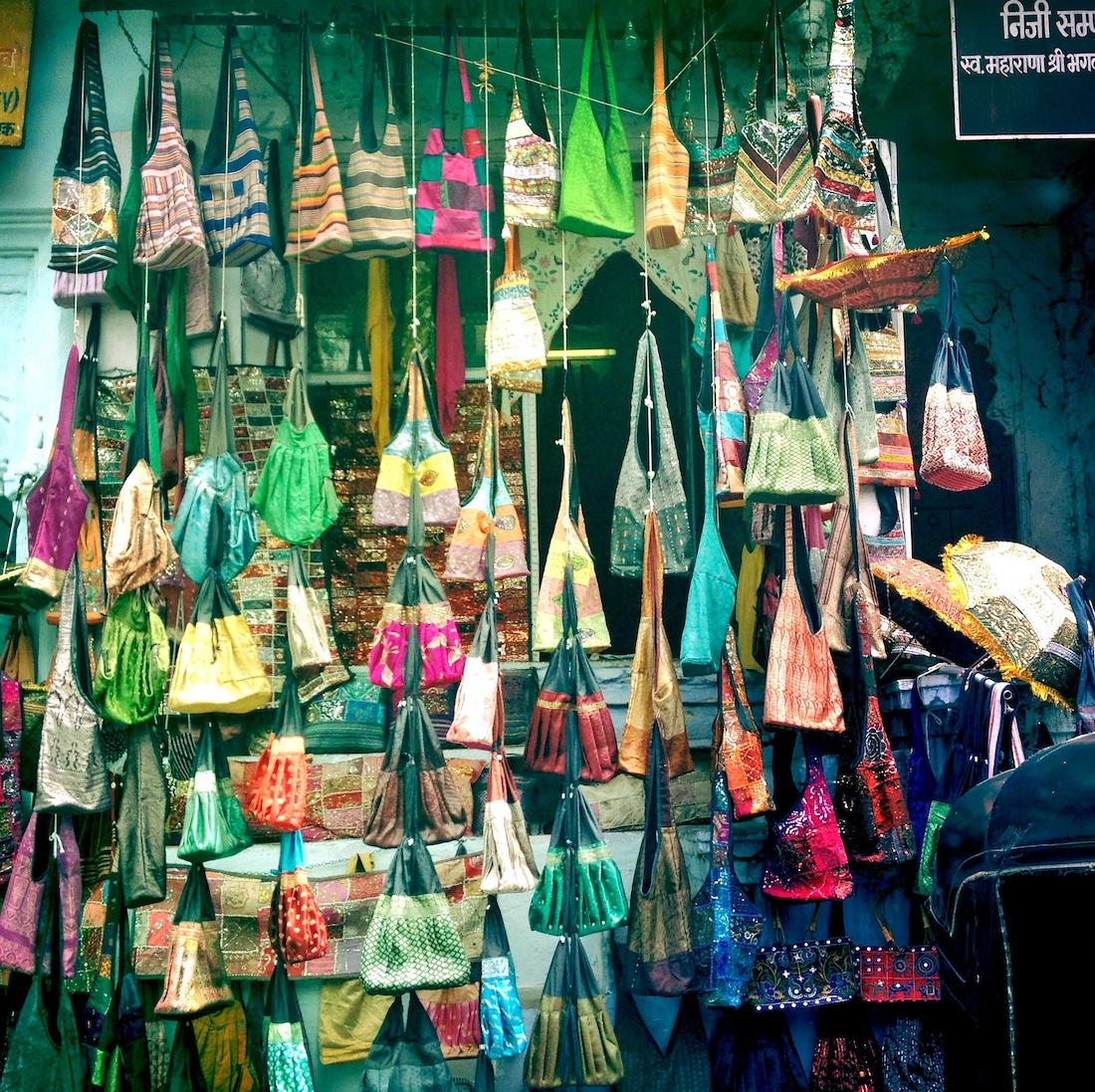 udaipur-market-bags