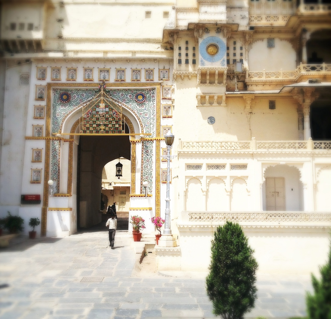 udaipur-city-palace-doorway