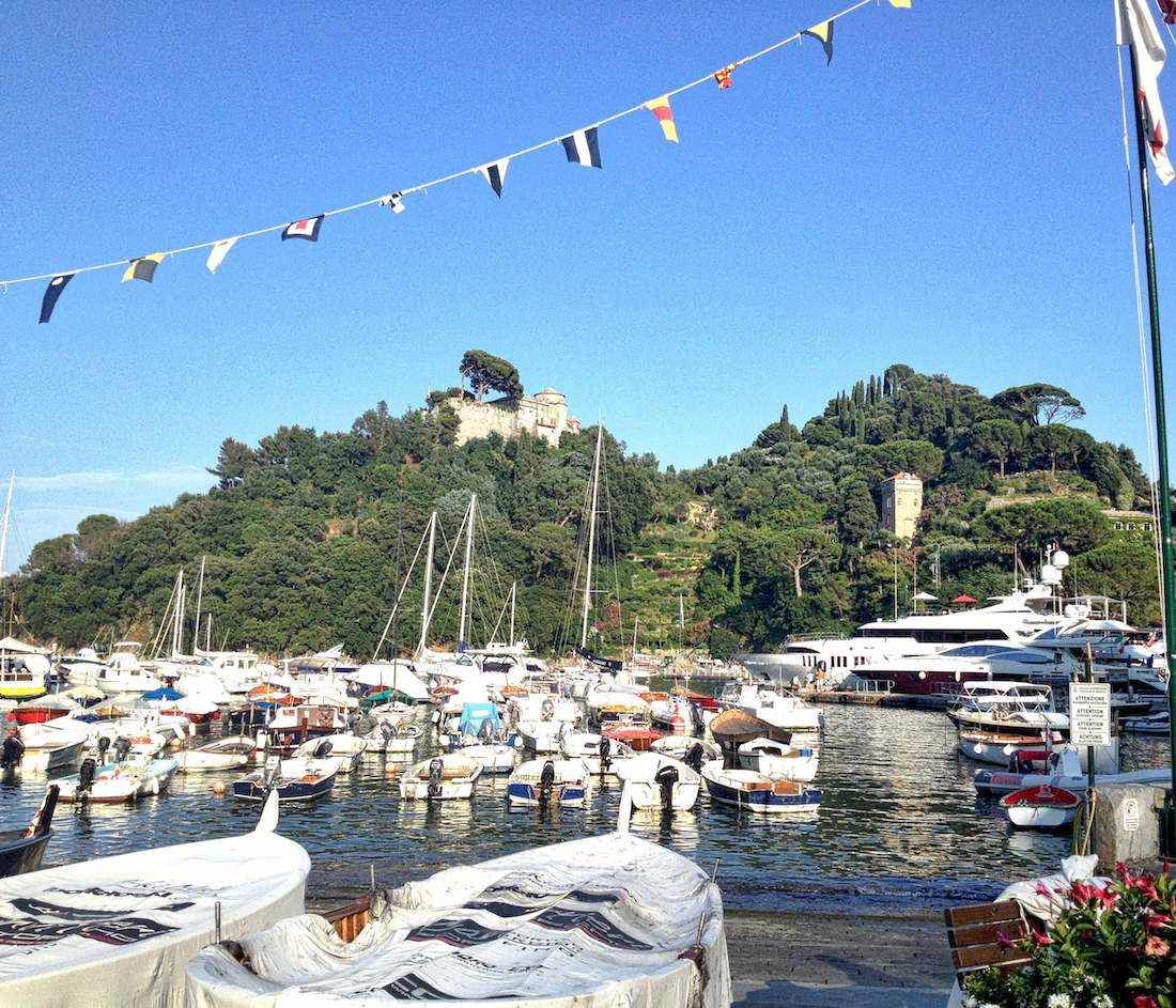 portofino-boats-flags