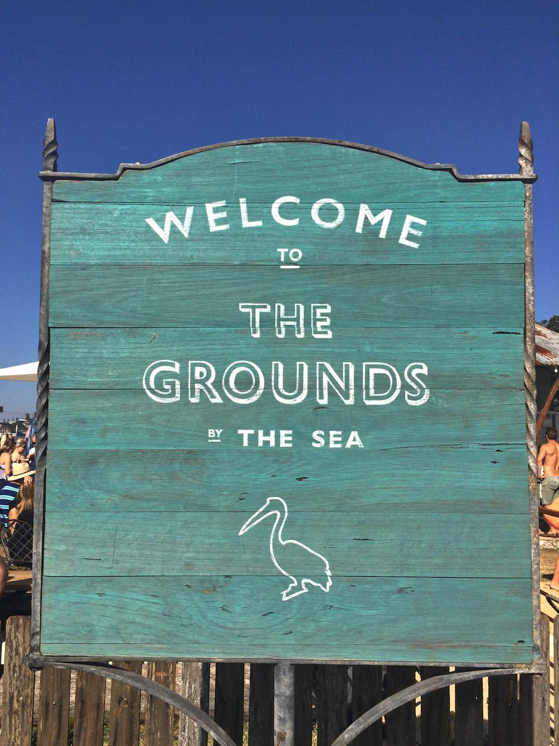 the-grounds-by-the-sea-welcome-sign