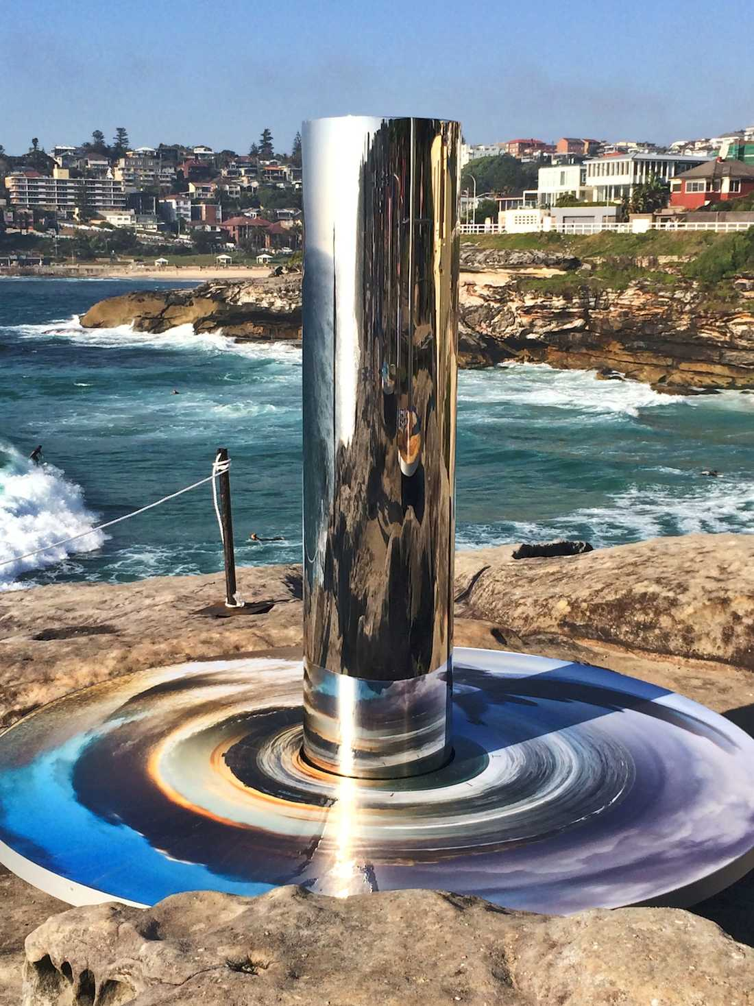sculpture-by-the-sea-2014-coast-totem