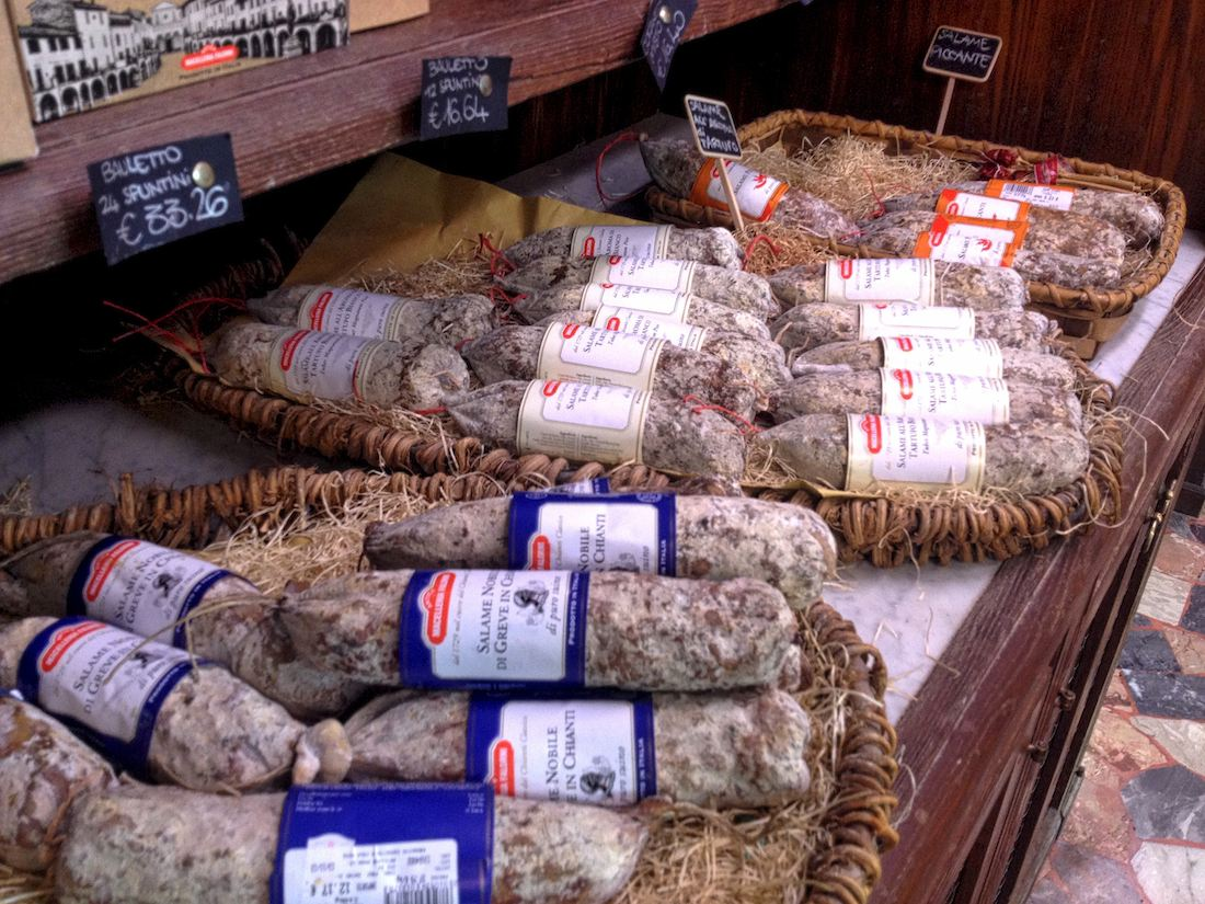 chianti-antica-macelleria-falorni-salumi-display